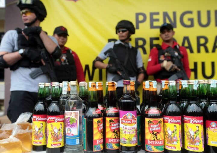 Indonesia gathers to ban alcohol