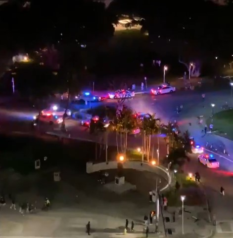 Unidentified persons opened fire on one of the embankments in Miami. Video