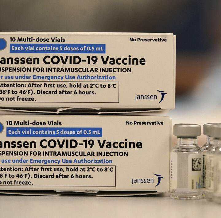 Trump criticized suspension of Johnson & Johnson vaccine in US